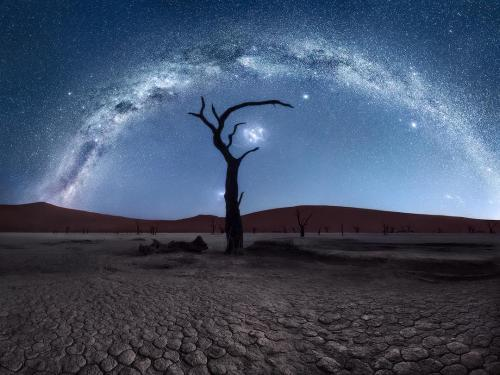 Catching the infinity by isabella TabacchiDeadvlei during night