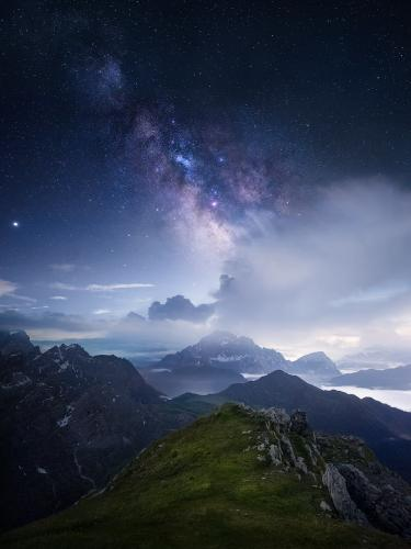Magic in the horizon by Isabella Tabacchi
